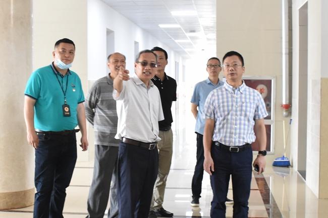 上饶师范学院党委书记陈洪生调研校园基础设施建设